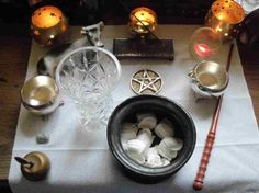 draft_lens17943798module150212704photo_1305494571Simple_WIccan_Altar.jpg (590×442)