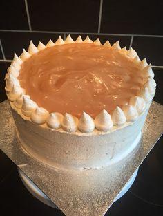Salted Caramel Vanilla Cake My Recipes, Vanilla Cake, Tiramisu, Caramel, Salt, Cooking, Ethnic Recipes, Food, Salt Water Taffy