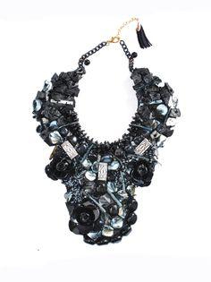 Rebajas Luxeli, Collar babero exclusivo de Brotocó Atelier con un super descuento en www.luxeli.com