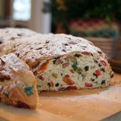 Check out this history of stollen, the traditional German Christmas cake featuring candied fruit peel, nuts, spices and raisins. Christmas Stollen Recipe, German Christmas Food, Traditional Christmas Food, Christmas Desserts, Christmas Foods, Christmas Dinners, Christmas Bread, Italian Christmas, Holiday Treats