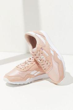 b504be9d951 Reebok Classic Nylon Sneaker
