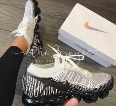 New Nike Safari Edition! Nike vapormax zebra women and men . Sneaker Outfits, Sneakers Fashion Outfits, Fashion Shoes, Nike Fashion, Ootd Fashion, Fashion Women, Style Fashion, Fashion Tips, Cute Sneakers