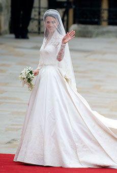 Kate Middleton's wedding dress #weddings