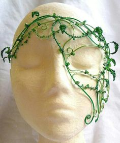 Could make this for Poison Ivy Costume/Cosplay Awesome green wire mask- I would add more leaves, and maybe some flowers and bugs. Cosplay Diy, Cosplay Costumes, Halloween Costumes, Easy Costumes, Halloween Spider, Elf Kostüm, Poison Ivy Costumes, Half Mask, Masquerade Ball
