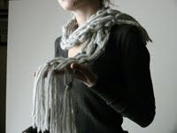 jane avion: Macrame Scarf with good instruction on making the knots