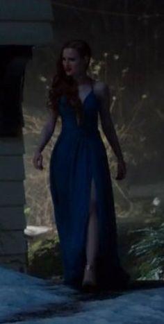Riverdale – La Grande Illusion Carpet Fitting, Celebrity Film, Riverdale Fashion, Blue Dresses, Formal Dresses, Female Fighter, Cheryl Blossom, Madelaine Petsch, Evening Gowns