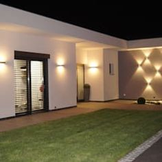 Browse images of modern Garden designs by Bolz Licht & Design GmbH. Find the best photos for ideas & inspiration to create your perfect home. Facade Lighting, Outdoor Wall Lighting, Exterior Lighting, Outdoor Decor, Garden Wall Lights, Led Wall Lights, Lighting Concepts, Lighting Design, Front Wall Design