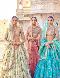 "Sabyasachi Mukherjee ""The Udaipur Collection"" Spring Couture Good options for a summer bride. Indian Bridal Outfits, Indian Designer Outfits, Indian Dresses, Indian Wedding Clothes, Lehenga Designs, Party Kleidung, Indian Bridesmaids, Lehnga Dress, Sari Blouse"