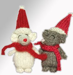 Cute Christmas mouse Pattern: http://knitting.myfavoritecraft.org/christmas-decoration-patterns/