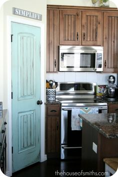 LOVE this pop of color in the kitchen. So need to do this after I paint the walls and the cabinets, sigh! Color: Crystal Aqua, from Valspar im doing this as my next project for my kitchen!