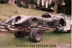 Loading Batmobile onto flatbed 1990s Films, Catwoman, Rogues, Harley Quinn, Geek Stuff, Joker, Hero, Characters, Bts