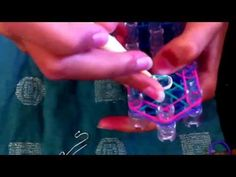 ▶ Rainbow loom earring - YouTube