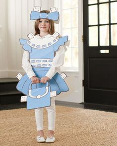 It might be a tad early to be thinking about Halloween, but Pottery Barn Kids' cardboard Paper Doll costume is perfect for everyday dress-up (as long as your Holidays Halloween, Halloween Kids, Halloween Party, Halloween Magic, Halloween Inspo, Couple Halloween, Paper Doll Costume, Paper Dolls, Cardboard Costume