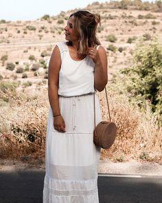 White dress  Oui on dirait que mes cheveux sont bruns mais en vrai ils sont juste mouillés ahah   #blondhair#osier#dress#whitedress#outfit#whiteoutfit#blond#summer#summerlook#blondie#blondehair#outfit#summer#summeroutfit#smile#girlsstuff#bohochic#bohostyle