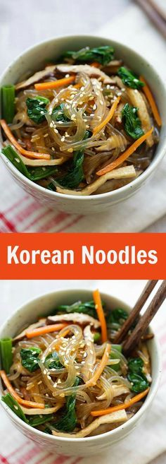 Japchae - Korean noodle dish with sweet potato noodles and vegetables. Learn how to make vegetarian Japchae in 30 minutes with this easy Japchae recipe. Bulgogi, Asian Recipes, Healthy Recipes, Delicious Recipes, Easy Korean Recipes, Yummy Food, Easy Recipes, Korean Noodles, Korean Sweet Potato Noodles