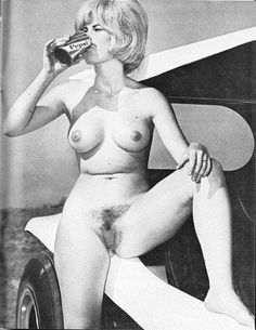 Pepsi, buggy and a naked chick. What Do You want more. The good old days