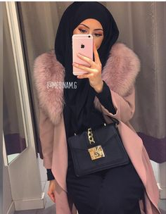 Classy Hijab Winter Coat Outfit Ideas -image@medinem.g - If You Are Looking For Hijab Winter Coat Ideas, Then Keep Reading To Get Some Great Inspiration On Hijab Winter Coat Outfits, Coats With Boots, Long Sleeve Coat Outfits, Teddy Coat Outfits, Faux Fur Coat Outfits And Much More - #hijab #hijabfashion #winteroutfits #coat #muslim #hijaboutfit