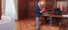Νέο γύρο σφοδρών αντιδράσεων από τα κόμματα της αντιπολίτευσης έχουν προκαλέσει οι τελευταίες αποκαλύψεις για τους χειρισμούς του Αλέξη Τσίπρα το 2015, αλλά πριν από τις εκλογές.