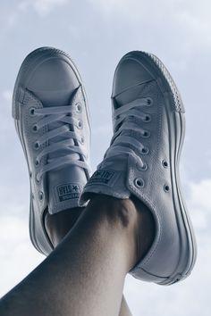 New! Cálzate el confort chic con las nuevas #zapas de piel suave en color blanco de Converse
