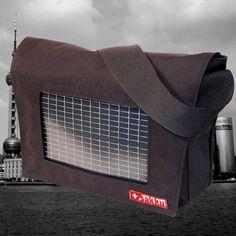 Solartasche für urbane Nomaden in Schwarz. Solar, Home Appliances, Taschen, Black, House Appliances, Domestic Appliances, Sun