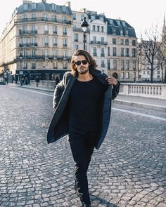 Mens Fashion Wear, Boys Long Hairstyles, Model Gallery, Aesthetic Pictures, Boy Outfits, Street Wear, Long Hair Styles, Celebrities, How To Wear