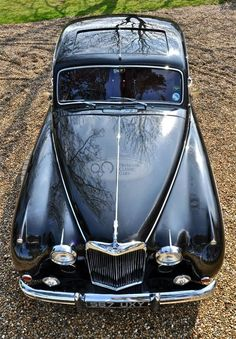 Classic Car News Pics And Videos From Around The World My Dream Car, Dream Cars, Vintage Cars, Antique Cars, Jaguar Daimler, Aston Martin Lagonda, Cars And Motorcycles, Cars For Sale, Cool Cars