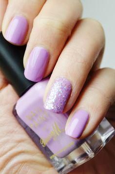 I'm loving lilac nails | lilac wedding | www.endorajewellery.etsy.com