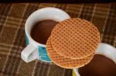 Hot Cocoa just like grandma used to make. Served with the classic Dutch cookie Stroopwafel. Yummy Treats, Yummy Food, Yummy Recipes, Dutch Cookies, Cocoa, Waffles, Tasty, Breakfast, Tableware