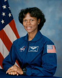 Yvonne Cagle Astronaut SF State was the launch pad for this biochemistry major, now a medical doctor and NASA astronaut assigned to the Johnson Space Center's Space and Life Science Directorate. Black Astronauts, Nasa Astronauts, African American Heroes, Johnson Space Center, Black History Facts, Great Women, Space Shuttle, Women In History, Life Science