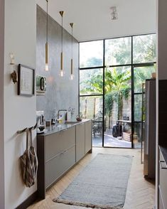 Minimal kitchen interior 10 things to make your home warmer without using a heater House Design, Interior, Home, Interior Design Kitchen, House Interior, Home Kitchens, Kitchen Styling, Interior Design, Kitchen Design