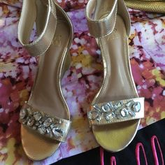 GOLD RHINESTONE STRAPY WOODEN WEDGES SIZE 7 NY&C METALLIC GOLD ANKLE STRAP WEDGE HEELS NWOB NEVER WORE PERFECT FOR THE CLUB OR A NIGHT OUT IN STYLE SAYS SIZE 7 BUT FITS 6.5-7 New York & Company Shoes Wedges