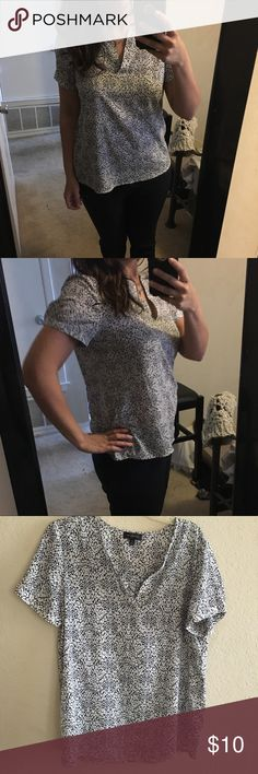 Cute top for work Great used condition! The Limited Tops Blouses