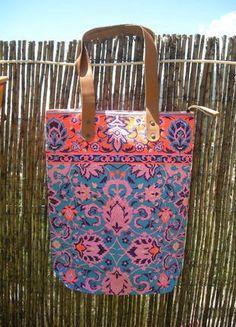 À vendre sur #vintedfrance ! http://www.vinted.fr/sacs-femmes/sac-a-main/23977106-sac-cabas-fluo-ethnique-multicolor-bleu-et-orange