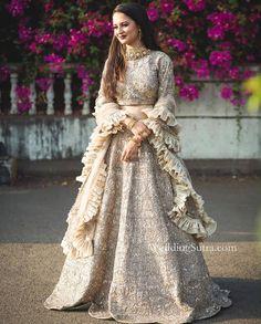 Pinterest • @niharikabhardwaj Pakistani Dresses, Indian Dresses, Indian Outfits, Indian Attire, Indian Wear, Bridal Looks, Bridal Style, Wedding Wear, Wedding Dinner