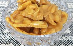 The secret to Helen's Famous Homemade Peanut Brittle is the raw peanuts, and Helen, of course! This recipe super simple and sensational. Helen is my mother! Pie Pastry Recipe, Pastry Recipes, Bread Recipes, Cinnamon Bun Recipe, Cinnamon Rolls, Homemade Peanut Brittle, Apricot Pie, Raw Peanuts, Baking Buns