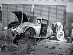 hot rod garages | The Garage Journal » Blog Archive » Hot Rod Garage Scenes