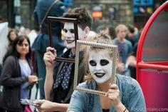 Edinburgh Festival - http://www.aboutbritain.com/articles/edinburgh-festival-fringe.asp