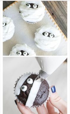 halloween desserts Whip up a batch of frightfully good Halloween party cupcakes! These spooky cupcake recipes make Halloween so much sweeter. Here are a few of our favorite ideas. Halloween Desserts, Bolo Halloween, Halloween Torte, Pasteles Halloween, Recetas Halloween, Hallowen Food, Halloween Treats For Kids, Halloween Baking, Halloween Cocktails