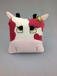 Cow pillow Création de Janie St-Pierre