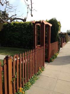 Staggered Slats Dog Fence Ideas Pinterest Fence Gate