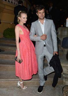 Festival di Cannes 2012: 2° giorno. Diane Kruger in Calvin Klein e sandali Givenchy insieme al fidanzato Joshua Jackson