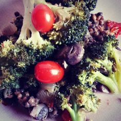 Tonight's dinner! Veggie Mess! Broccoli, crimini mushrooms, grape tomatoes, onions & lentils! Yum! | www.MommyHiker.com