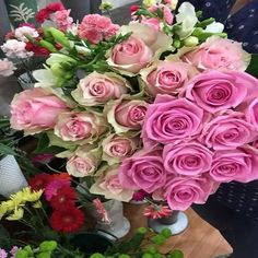Flower Decorations, Garden Landscaping, Red Roses, Beautiful Flowers, Centerpieces, Floral Wreath, Hair Accessories, Wreaths, Landscape