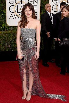 Dakota Johnson con impresionante vestido plateado de Chanel Alta Cosura.