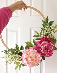 DIY : Embroidery Hoop Wreath || Dreamery Events peony wreath - perfect for spring