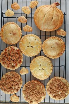 Pumpkin Hand Pies with Pecan Streusel