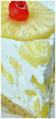 No Bake Pineapple Cake is quick and easy summer dessert recipe. Creamy and smooth mixture of whipped cream, cream cheese and juicy pineapple, mounded on top Baked Pineapple, Pineapple Cake, Easy Summer Desserts, Summer Dessert Recipes, Vanilla Wafer Cake, Easy Desert Recipes, Buckwheat Cake, Pineapple Upside Down Cake, Savoury Cake