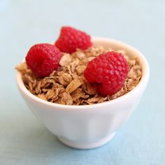 Top Uncle Sam Cereal with fruit for the perfect #LowSugar and #HighFiber breakfast