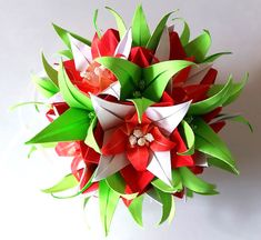 3d origami Electra kusudama with Lily flowers