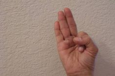 via MyHealthyBook, Have you heard of hand yoga? It is a simple and easy technique which provides a number of health benefits such as stress relief, weight loss, muscle strengthening and many others… Health Benefits, Health Tips, Eyesight Problems, How To Handle Stress, Acupuncture For Weight Loss, Hand Pose, Eye Sight Improvement, Coping With Stress, Miracles Happen